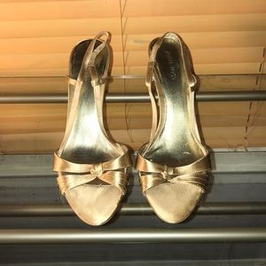 Nine West champagne colored satin sandals
